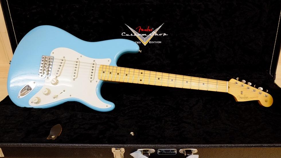 Fender Custom Shop Total Tone 56 Stratocaster Closet Classic 鮮やかなダフネブルーが目を引きます。