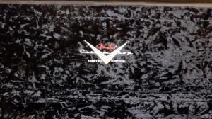 ケースの中身もブラック仕様。カスタムショップのロゴとLimited editionの文字は刺繍です。