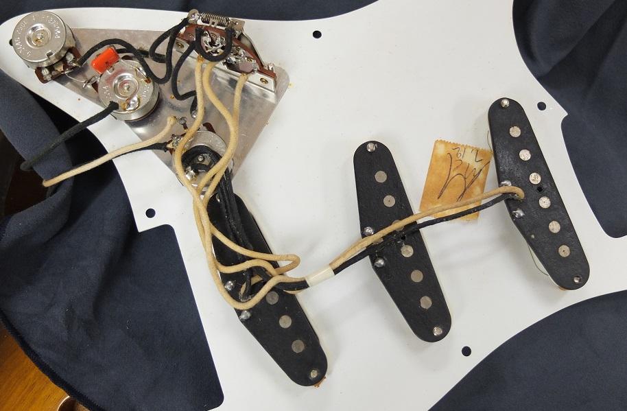 USA製のアルニコマグネットのピックアップ。オーソドックスなストラトサウンド。
