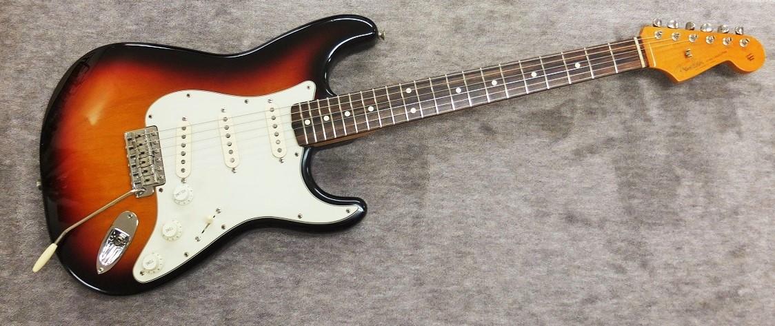 98年製のAmerican Vintage 62 Stratocaster