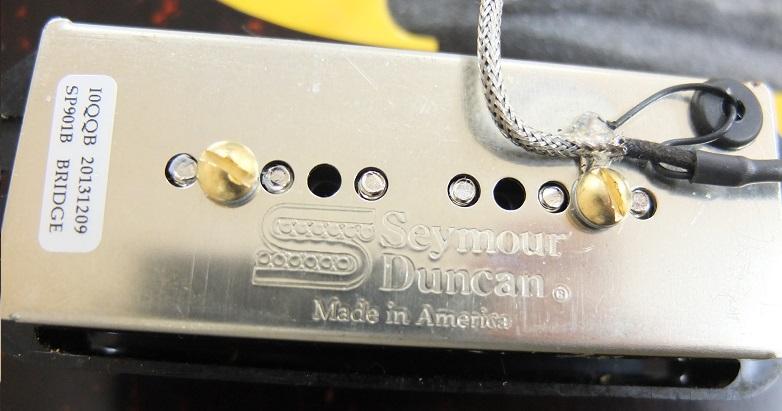 ピックアップはSeymour DuncanのSP90-1bにアップグレードされています。
