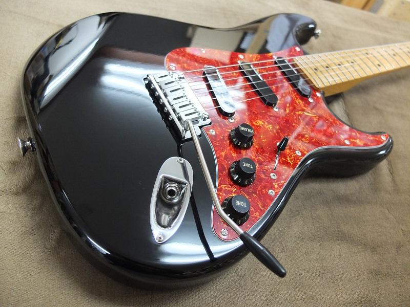 ボディトップ。目立つ損傷はなく25年近く前のギターとしてはかなりの美品。