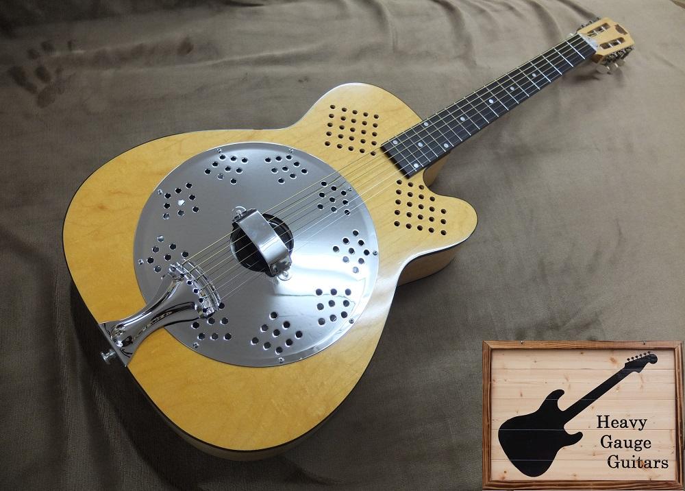 独特のサウンドのリゾーネーターギターDobro DW-90、ネックジョイントに浮きがあるため特価!