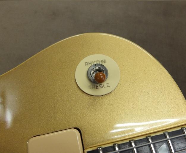 元々のスイッチは寿命を迎えていたので日本製の新しいスイッチに交換しました。